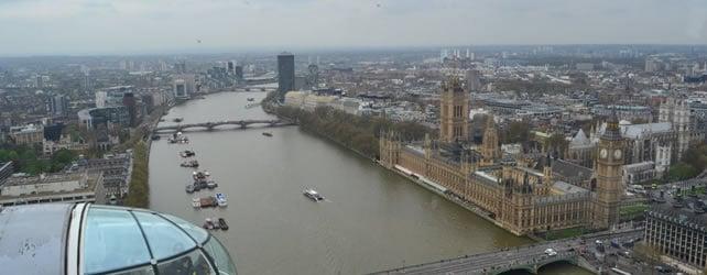 London eye viaggiare londra for Cabine del fiume bandera
